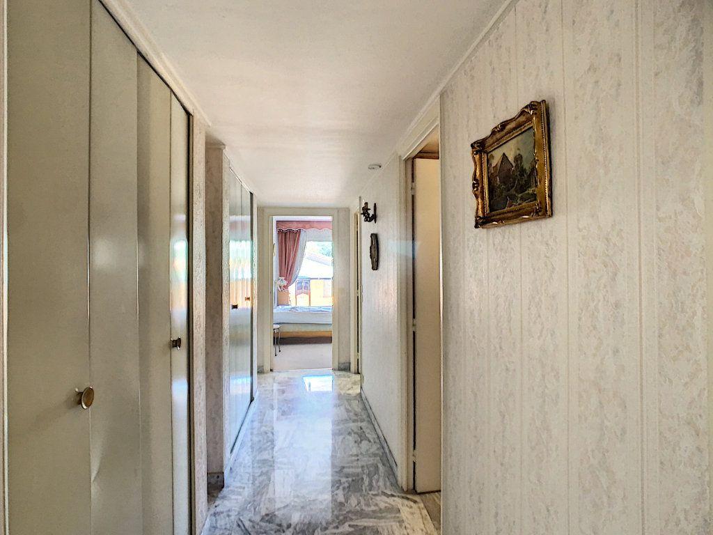 Appartement à vendre 3 76m2 à Juan-les-Pins - Antibes vignette-4