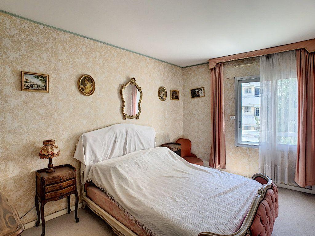 Appartement à vendre 3 76m2 à Juan-les-Pins - Antibes vignette-5