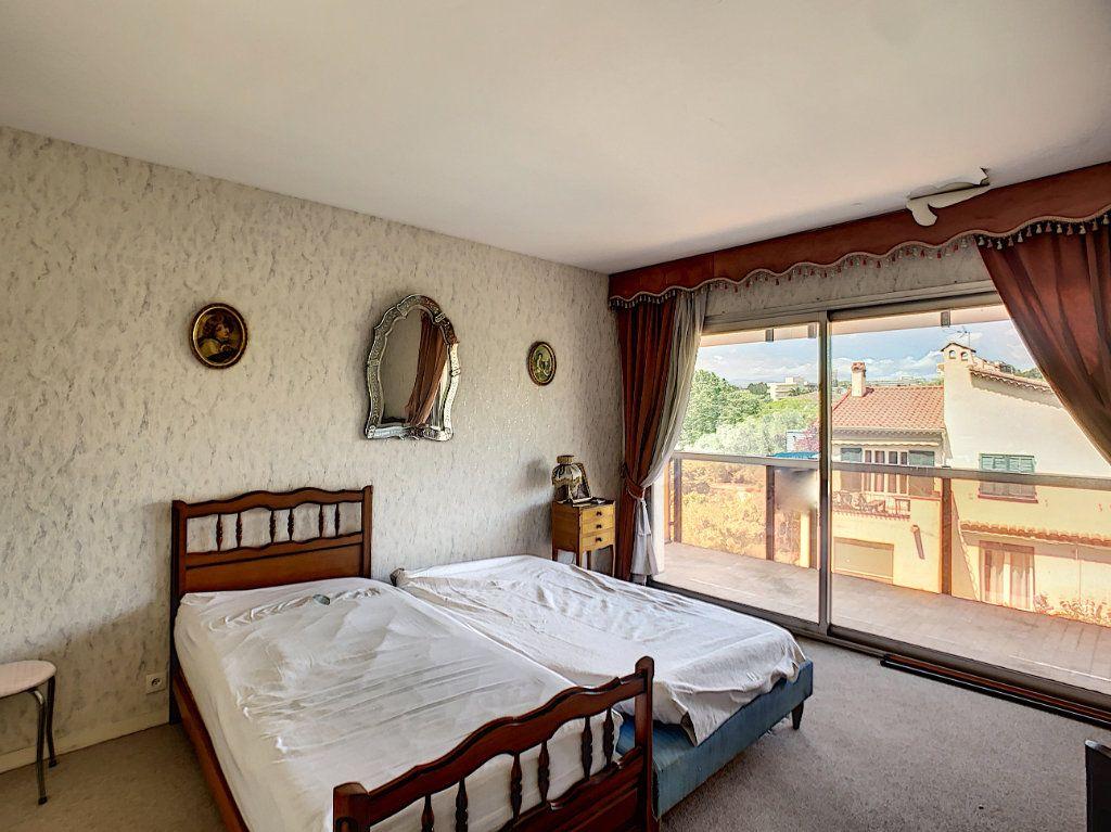 Appartement à vendre 3 76m2 à Juan-les-Pins - Antibes vignette-6