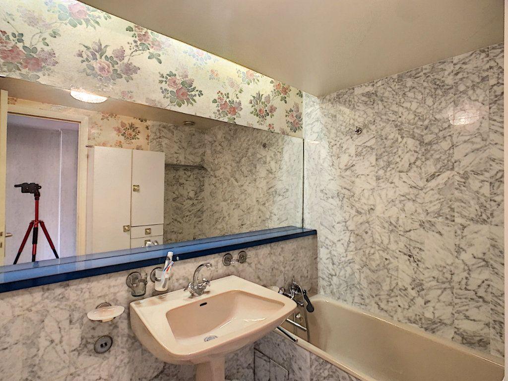 Appartement à vendre 3 76m2 à Juan-les-Pins - Antibes vignette-7