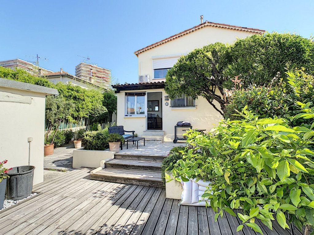 Maison à vendre 7 165m2 à Antibes vignette-4