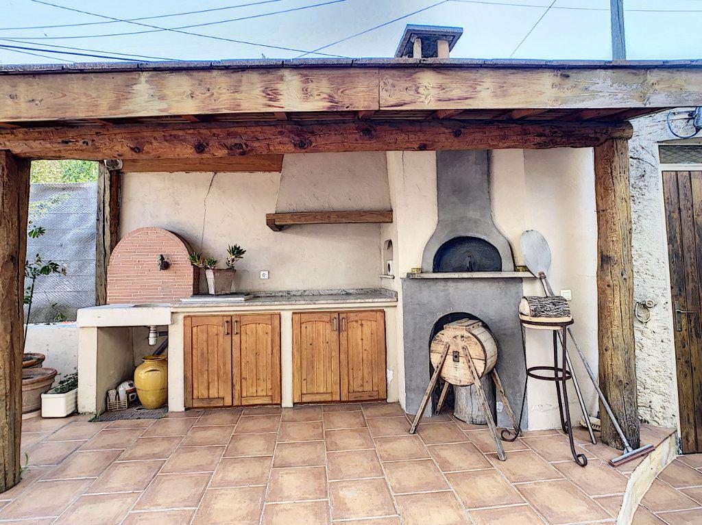 Maison à vendre 7 165m2 à Antibes vignette-6