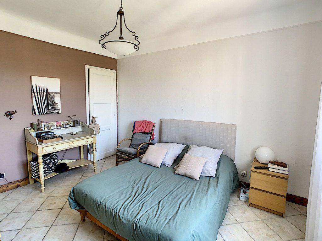 Maison à vendre 7 165m2 à Antibes vignette-15