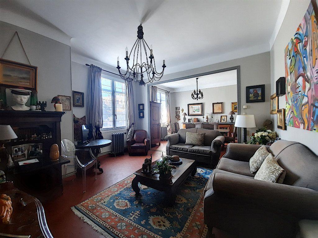 Appartement à vendre 4 117.08m2 à Cannes vignette-2