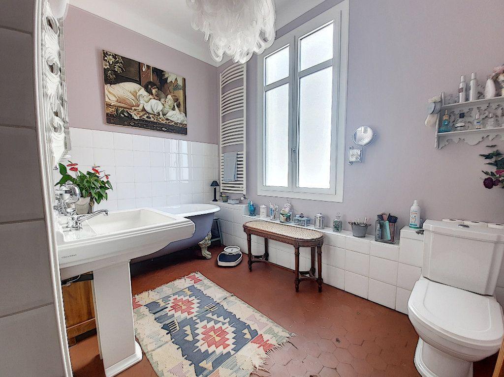 Appartement à vendre 4 117.08m2 à Cannes vignette-10