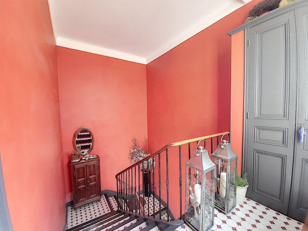 Appartement à vendre 4 117.08m2 à Cannes vignette-11