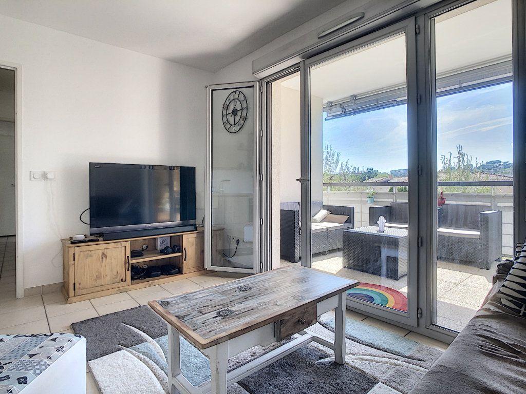 Appartement à vendre 3 54.7m2 à Antibes vignette-1