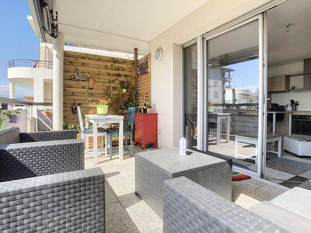 Appartement à vendre 3 54.7m2 à Antibes vignette-5