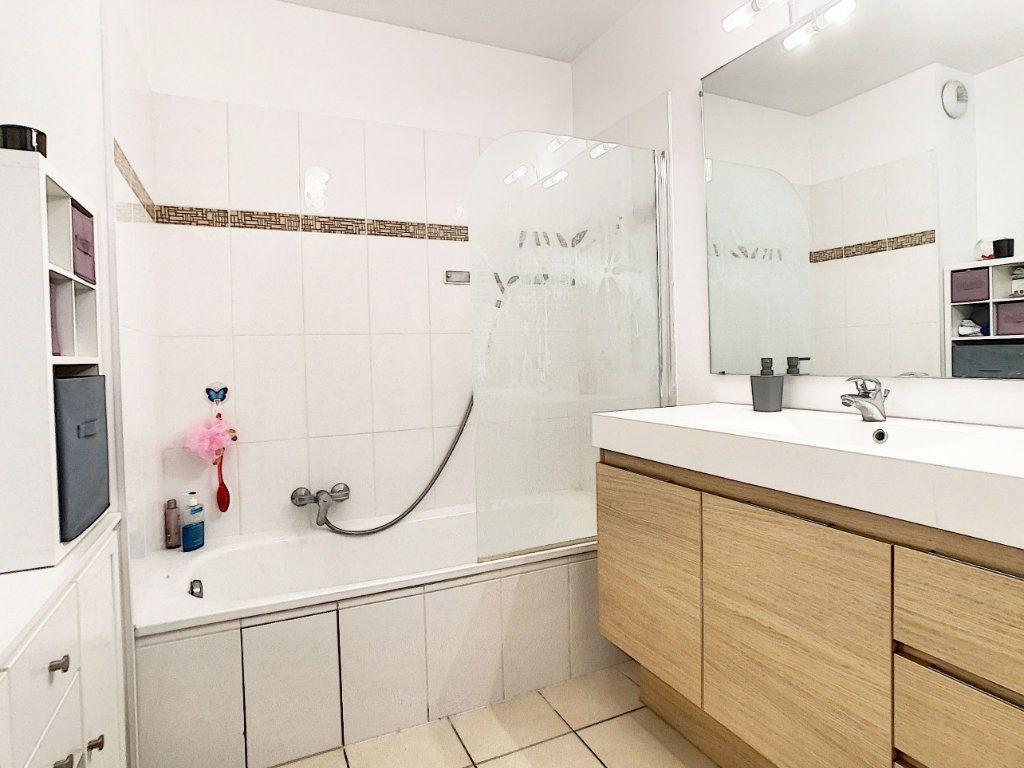 Appartement à vendre 3 54.7m2 à Antibes vignette-6