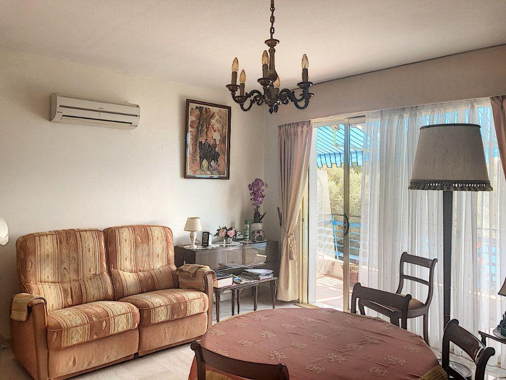 Appartement à vendre 3 83.5m2 à Antibes vignette-2