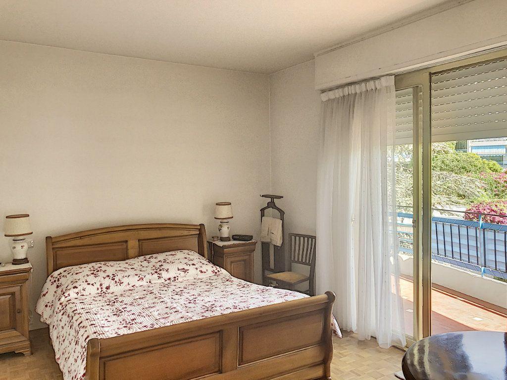Appartement à vendre 3 83.5m2 à Antibes vignette-4