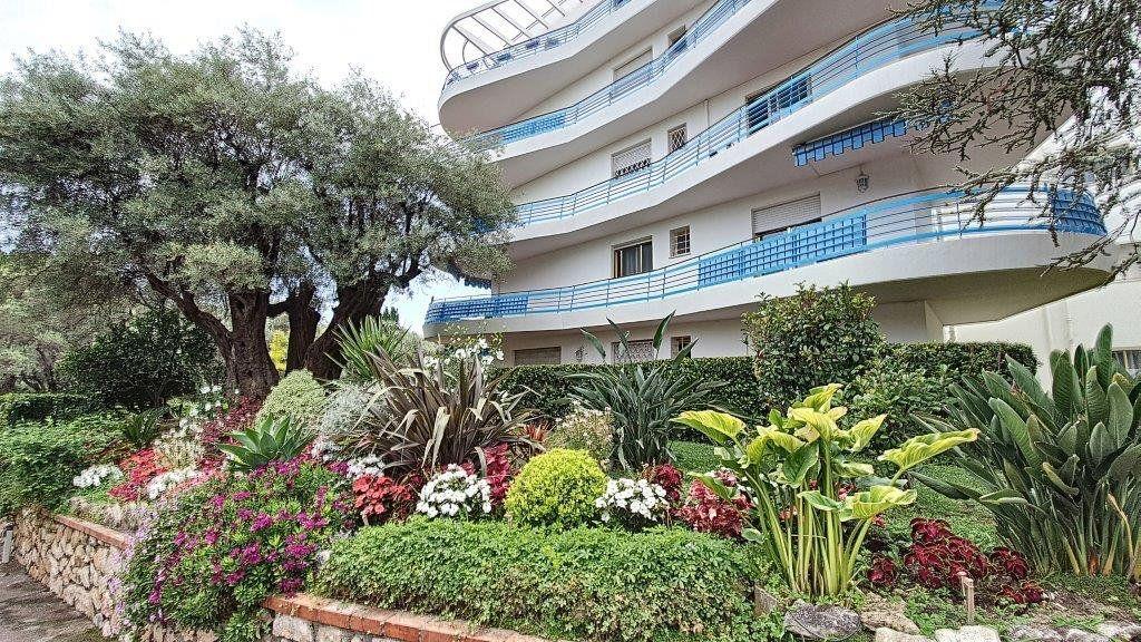 Appartement à vendre 3 83.5m2 à Antibes vignette-11