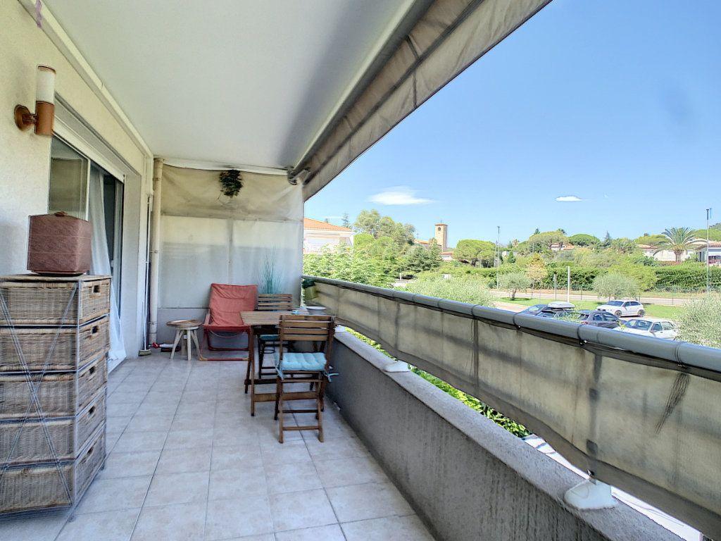Appartement à vendre 2 38m2 à Antibes vignette-1