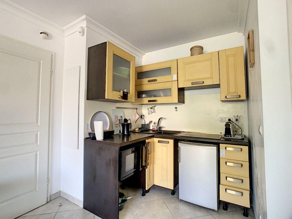 Appartement à vendre 2 38m2 à Antibes vignette-3