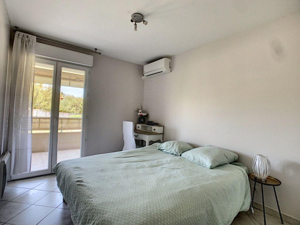 Appartement à vendre 2 38m2 à Antibes vignette-5