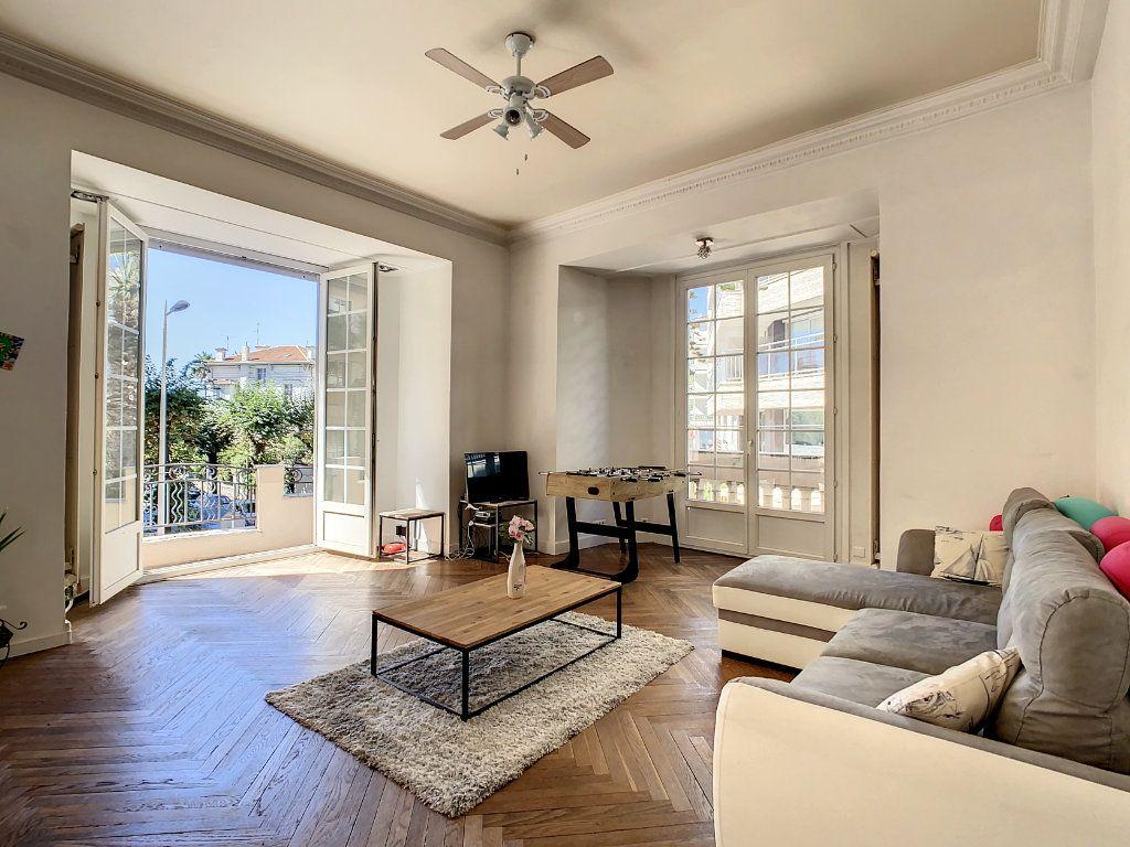 Appartement à vendre 4 100.08m2 à Juan-les-Pins - Antibes vignette-1