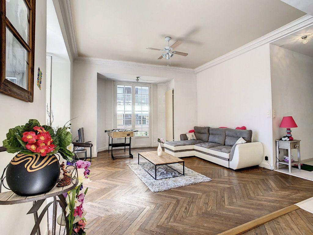 Appartement à vendre 4 100.08m2 à Juan-les-Pins - Antibes vignette-3