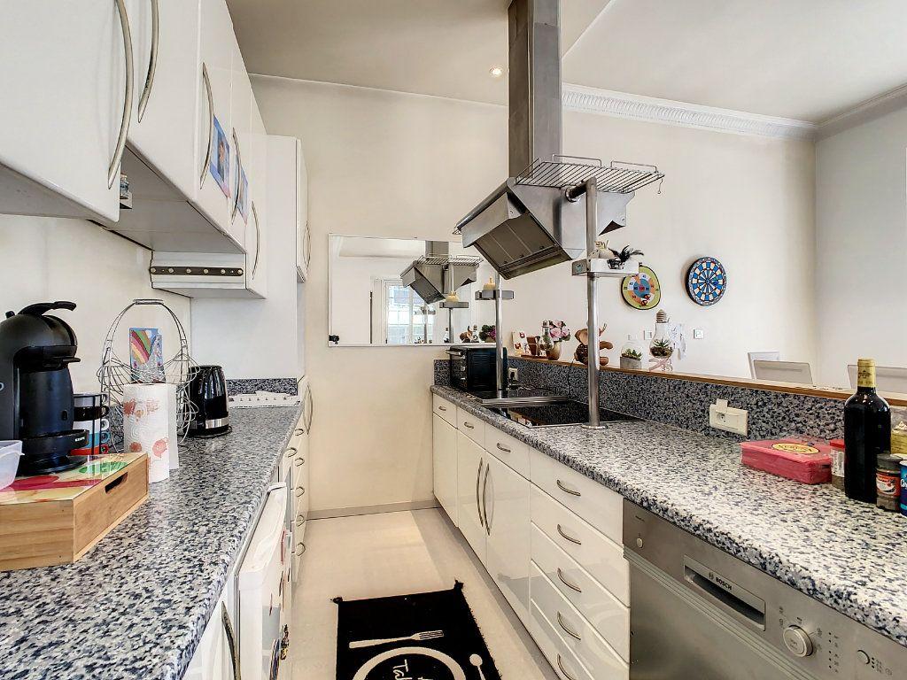 Appartement à vendre 4 100.08m2 à Juan-les-Pins - Antibes vignette-4
