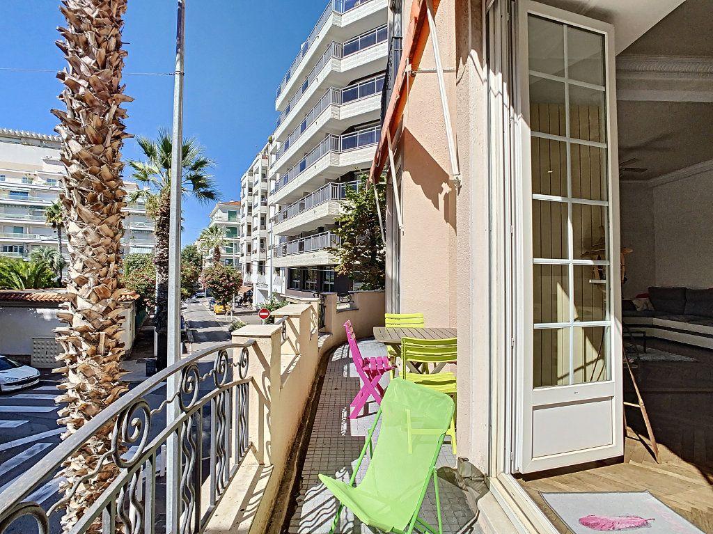 Appartement à vendre 4 100.08m2 à Juan-les-Pins - Antibes vignette-5