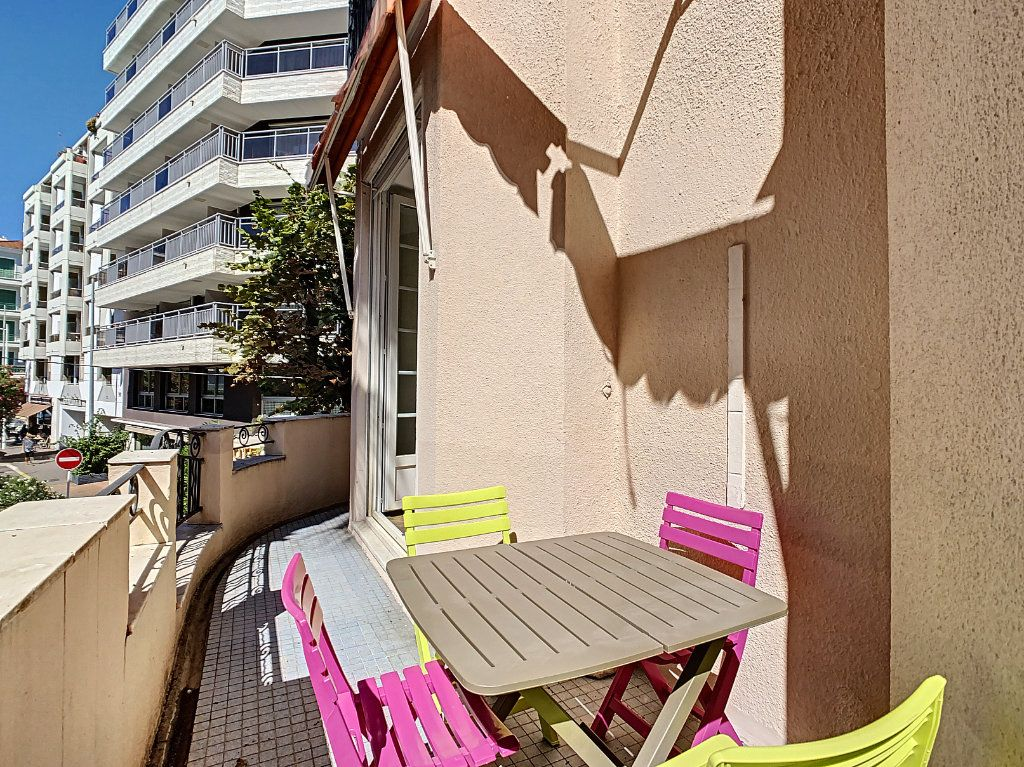 Appartement à vendre 4 100.08m2 à Juan-les-Pins - Antibes vignette-6