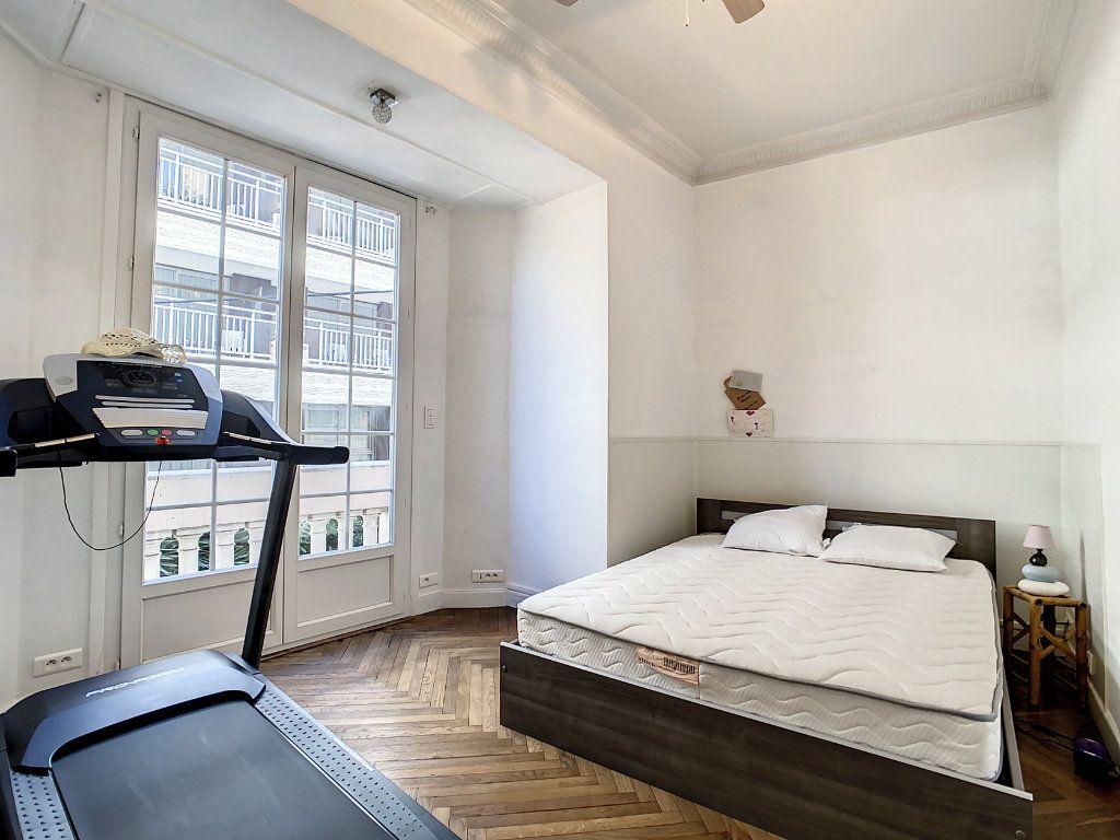 Appartement à vendre 4 100.08m2 à Juan-les-Pins - Antibes vignette-7