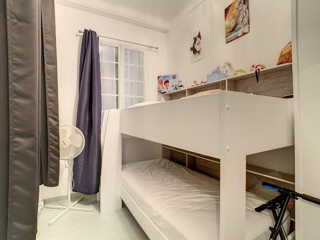 Appartement à vendre 4 100.08m2 à Juan-les-Pins - Antibes vignette-10