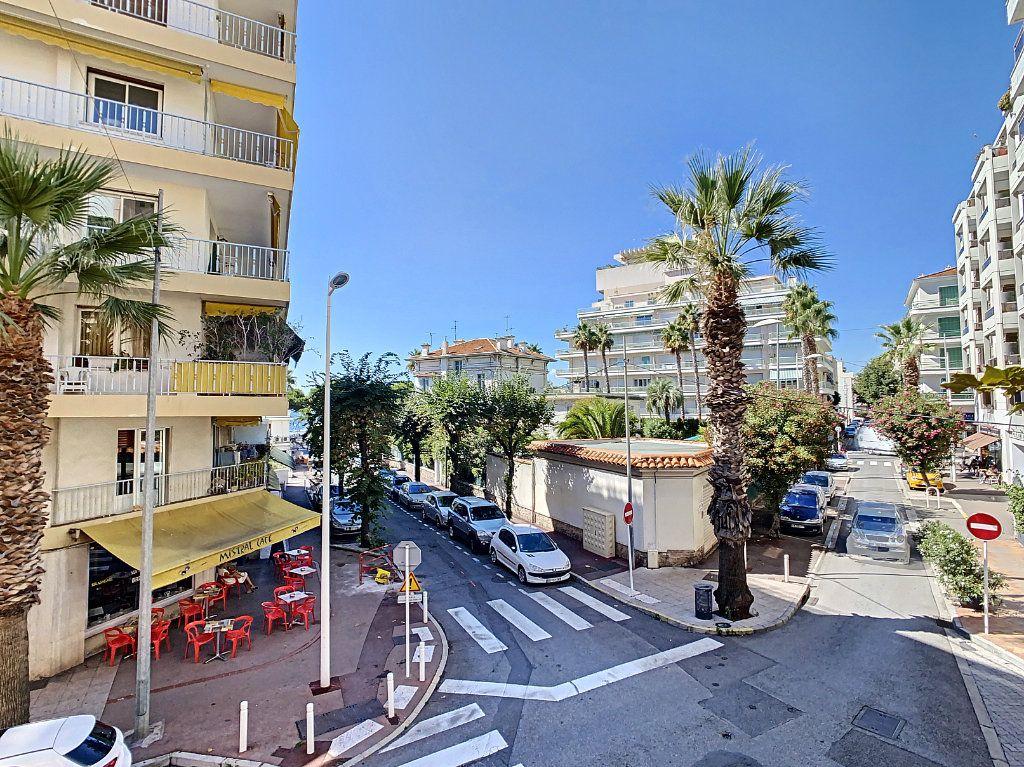 Appartement à vendre 4 100.08m2 à Juan-les-Pins - Antibes vignette-11
