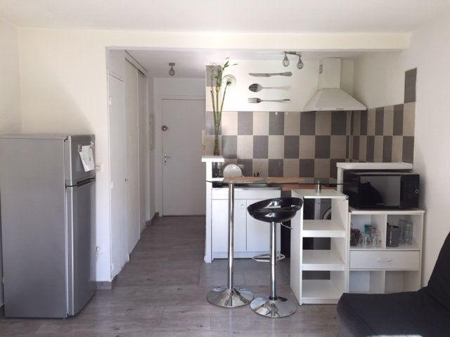 Appartement à louer 1 21.17m2 à Cagnes-sur-Mer vignette-3