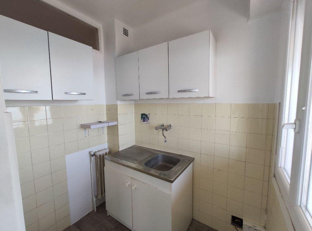 Appartement à louer 1 28.85m2 à Cagnes-sur-Mer vignette-5