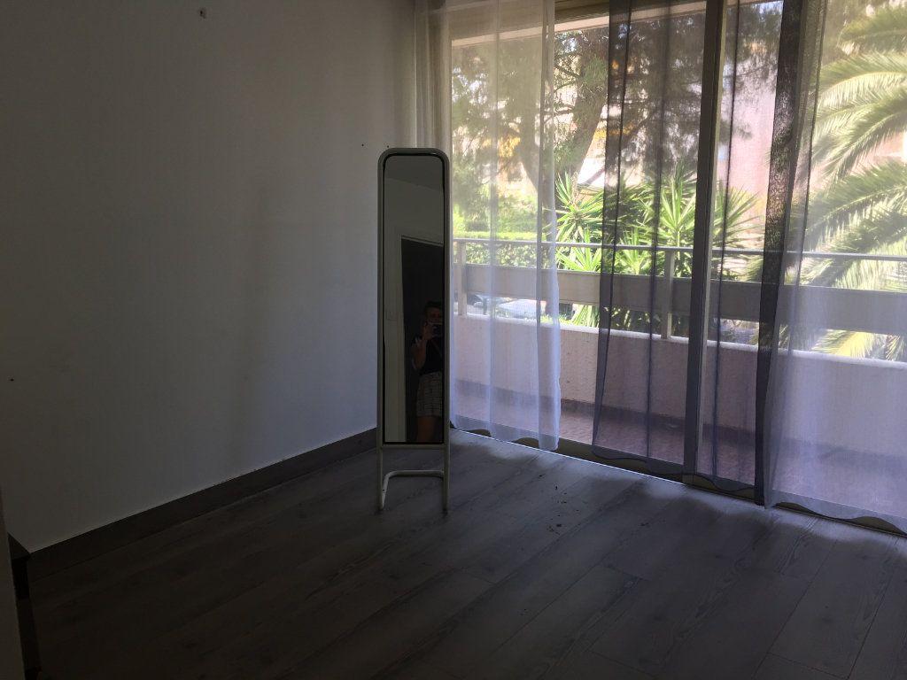 Appartement à louer 3 60.58m2 à Cagnes-sur-Mer vignette-5
