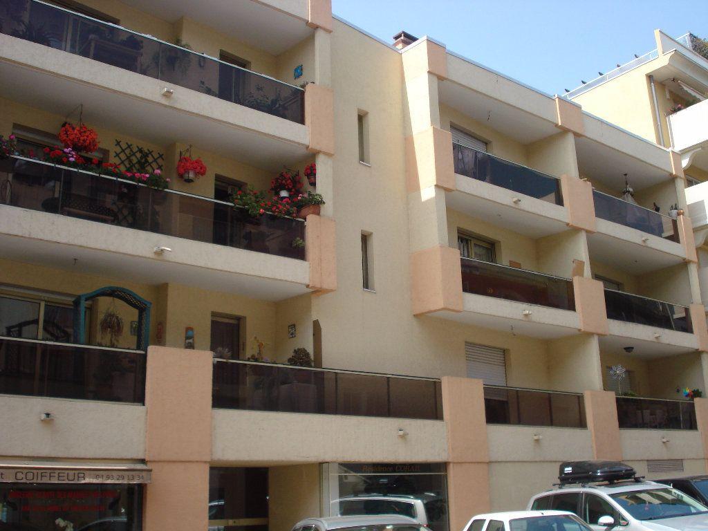 Appartement à louer 1 20.92m2 à Cagnes-sur-Mer vignette-1
