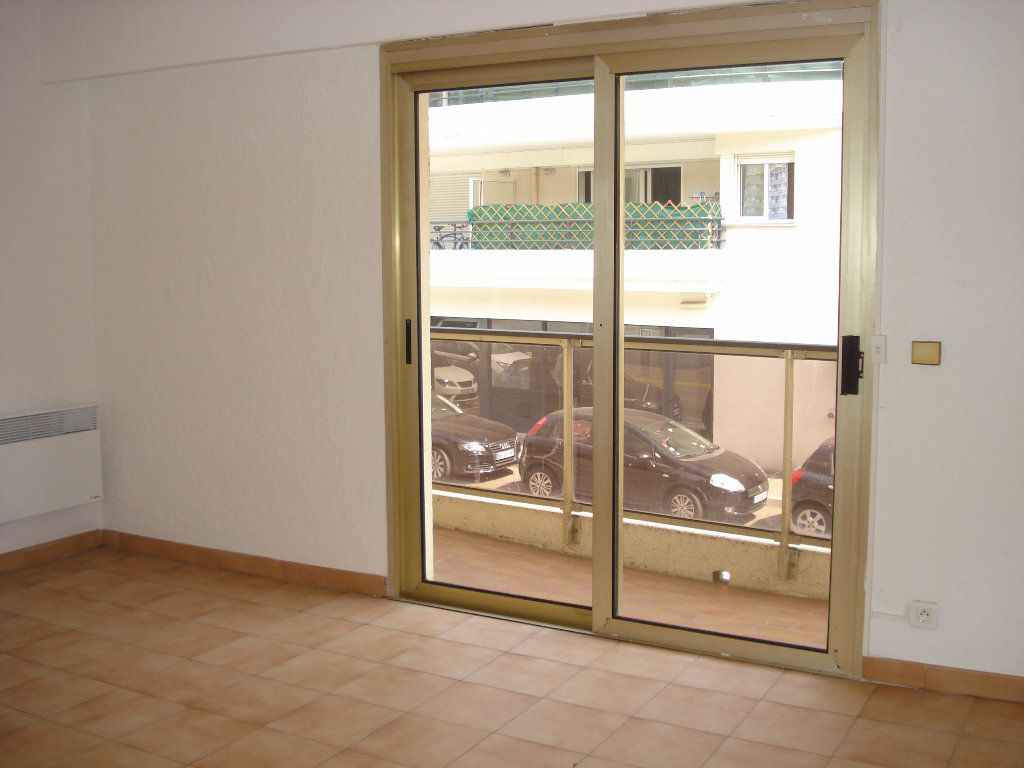 Appartement à louer 1 20.92m2 à Cagnes-sur-Mer vignette-2