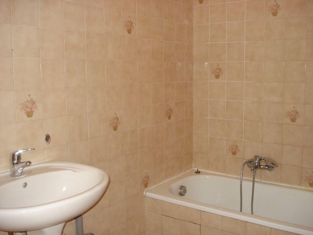 Appartement à louer 1 20.92m2 à Cagnes-sur-Mer vignette-4