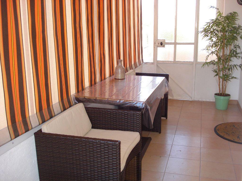 Appartement à louer 3 76.67m2 à Saint-Laurent-du-Var vignette-4