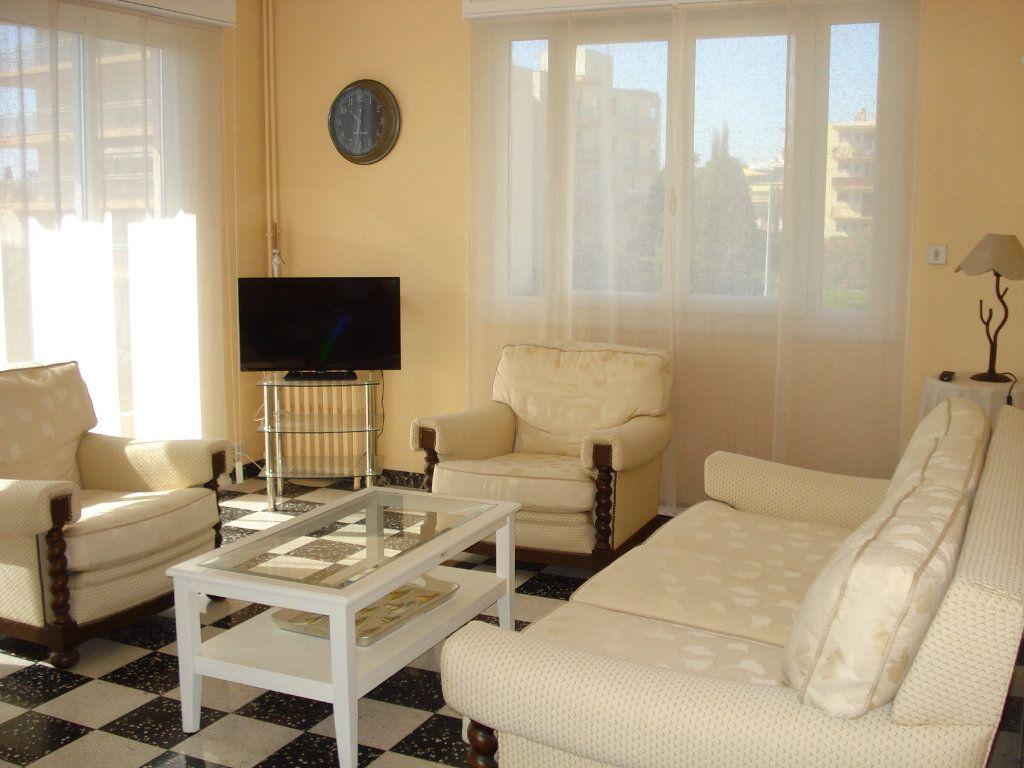 Appartement à louer 3 76.67m2 à Saint-Laurent-du-Var vignette-5