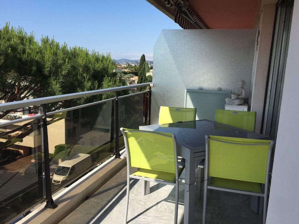 Appartement à louer 3 68m2 à Cagnes-sur-Mer vignette-3