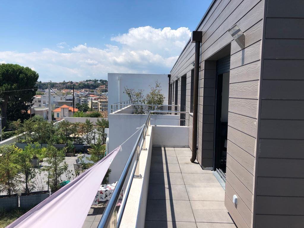 Appartement à vendre 4 90.36m2 à Cagnes-sur-Mer vignette-2