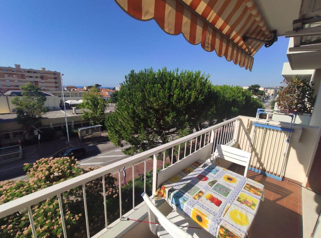 Appartement à vendre 1 37.5m2 à Cagnes-sur-Mer vignette-1