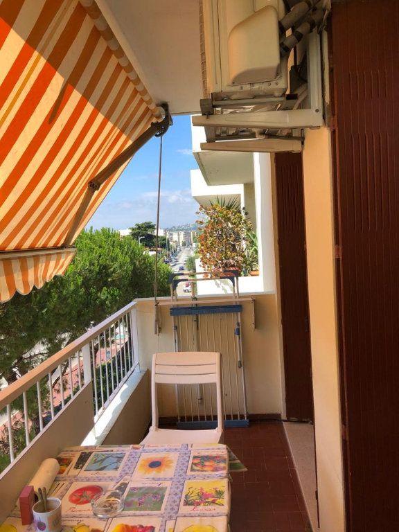 Appartement à vendre 1 37.5m2 à Cagnes-sur-Mer vignette-2