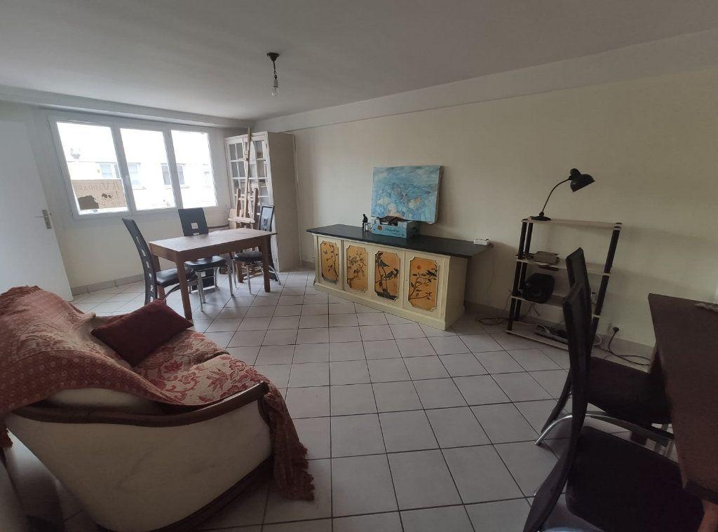 Appartement à vendre 3 90.03m2 à Saint-Laurent-du-Var vignette-1