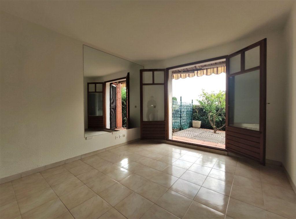 Appartement à vendre 1 22.25m2 à Villeneuve-Loubet vignette-1