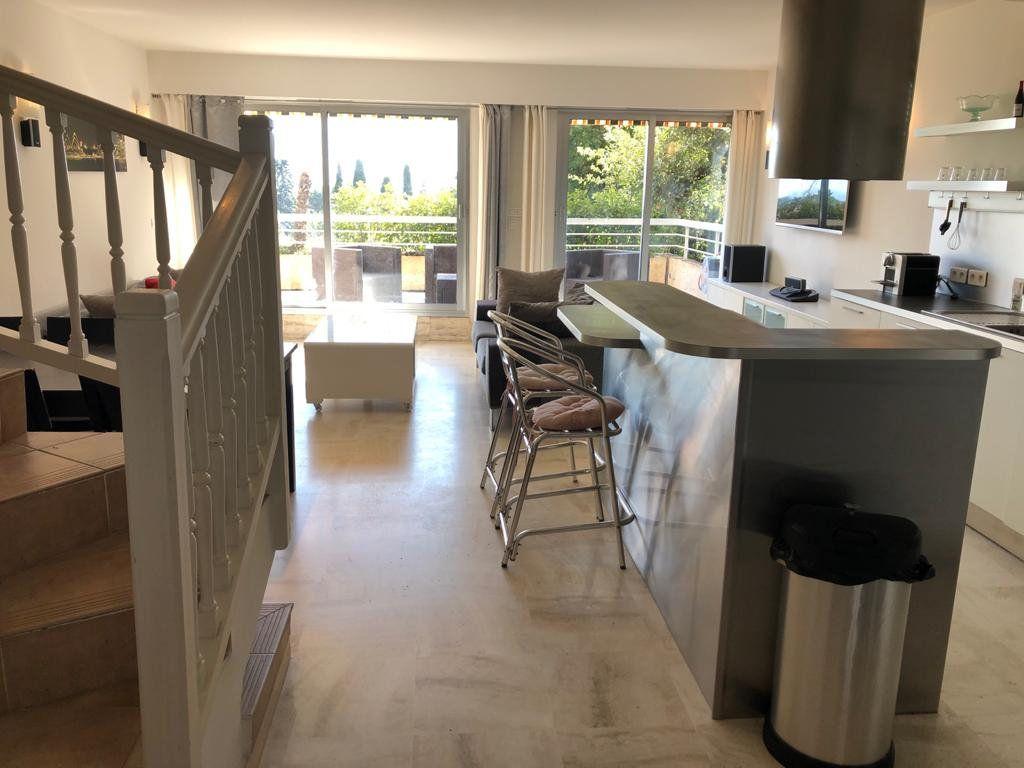 Appartement à vendre 5 135m2 à Vence vignette-5