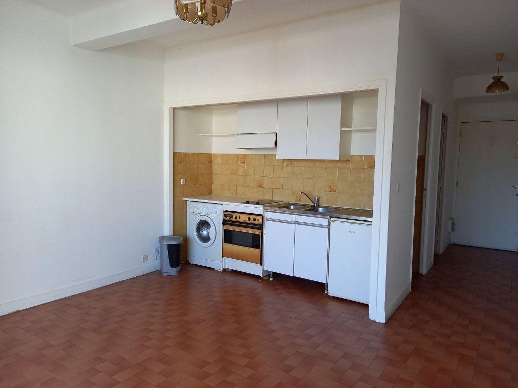 Appartement à louer 1 28.47m2 à Cagnes-sur-Mer vignette-3