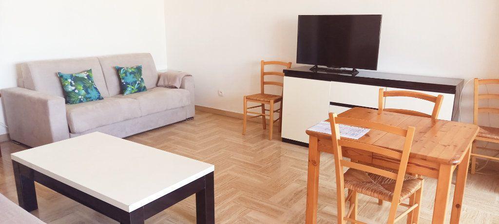 Appartement à louer 1 30.8m2 à Cagnes-sur-Mer vignette-2
