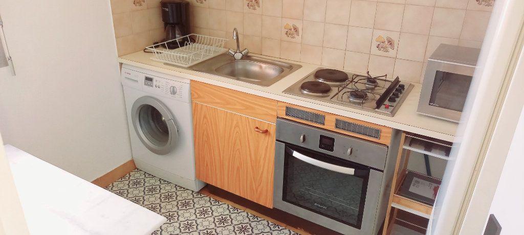 Appartement à louer 1 30.8m2 à Cagnes-sur-Mer vignette-3