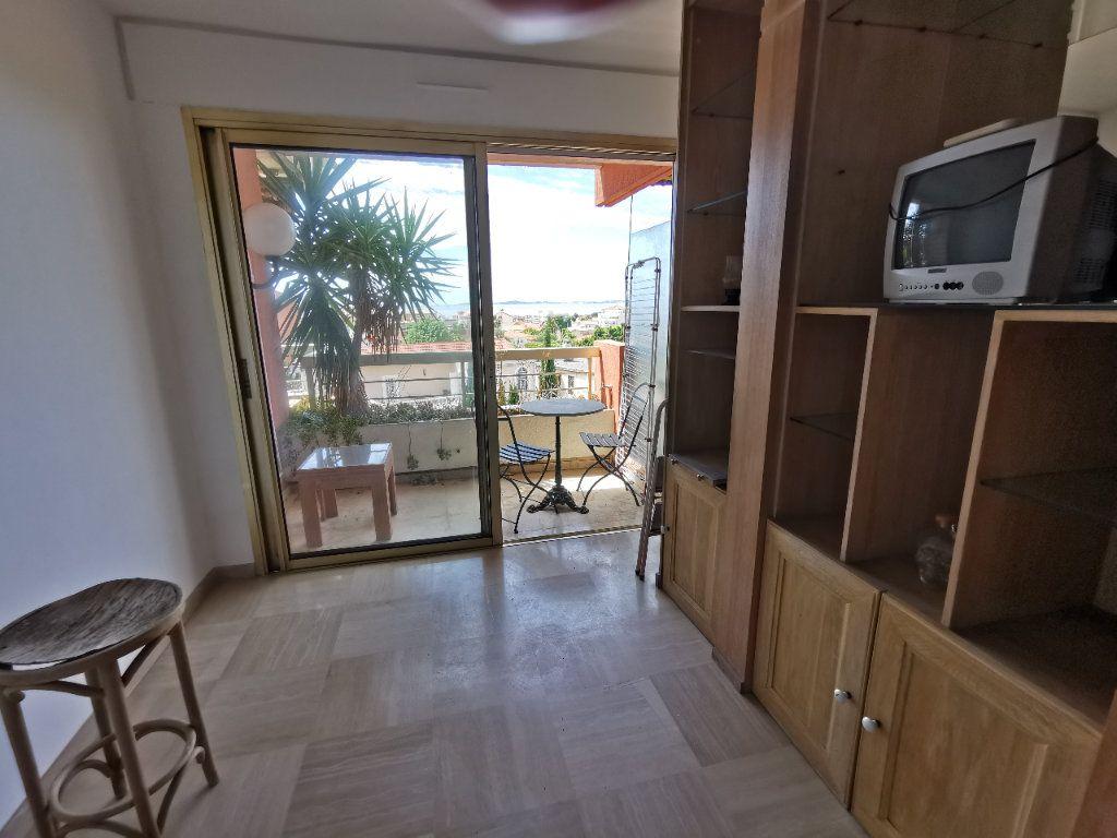 Appartement à louer 1 20.42m2 à Saint-Laurent-du-Var vignette-3