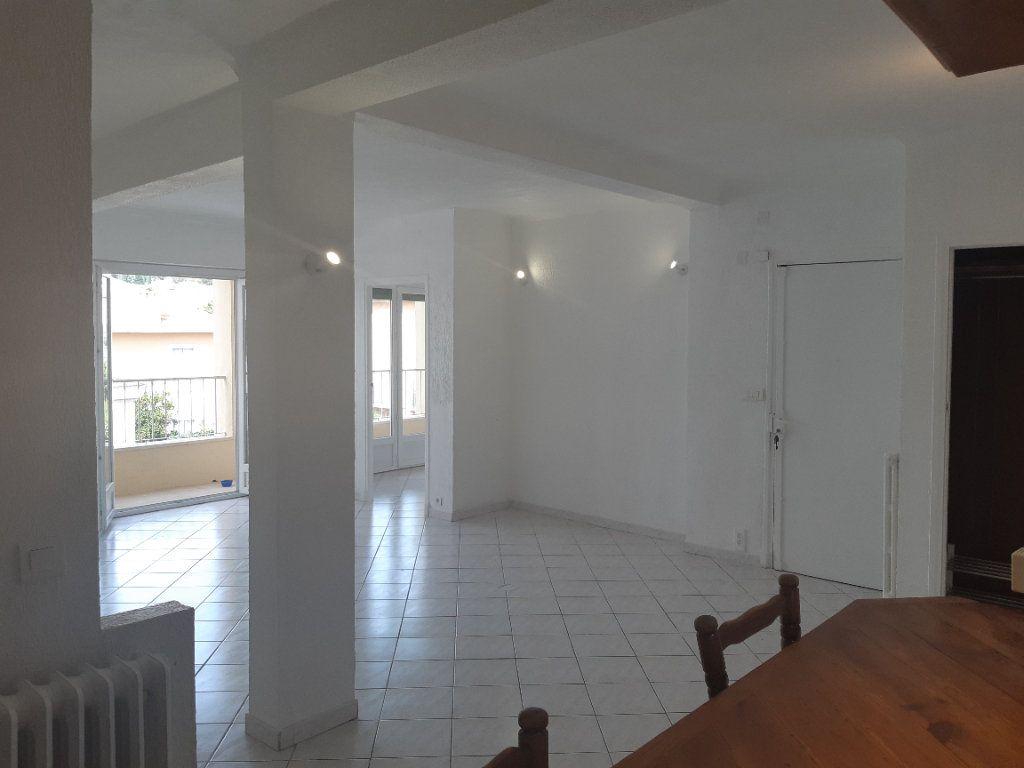 Appartement à louer 3 69.02m2 à Cagnes-sur-Mer vignette-1