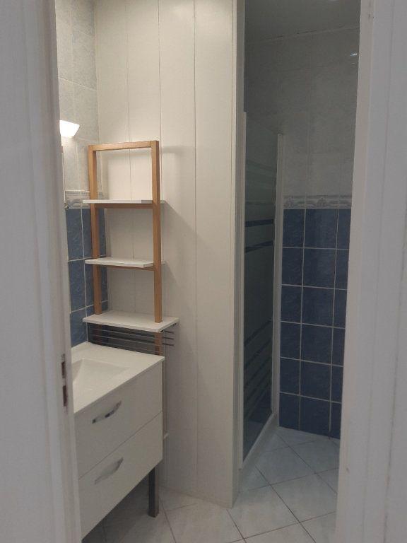 Appartement à louer 3 69.02m2 à Cagnes-sur-Mer vignette-3