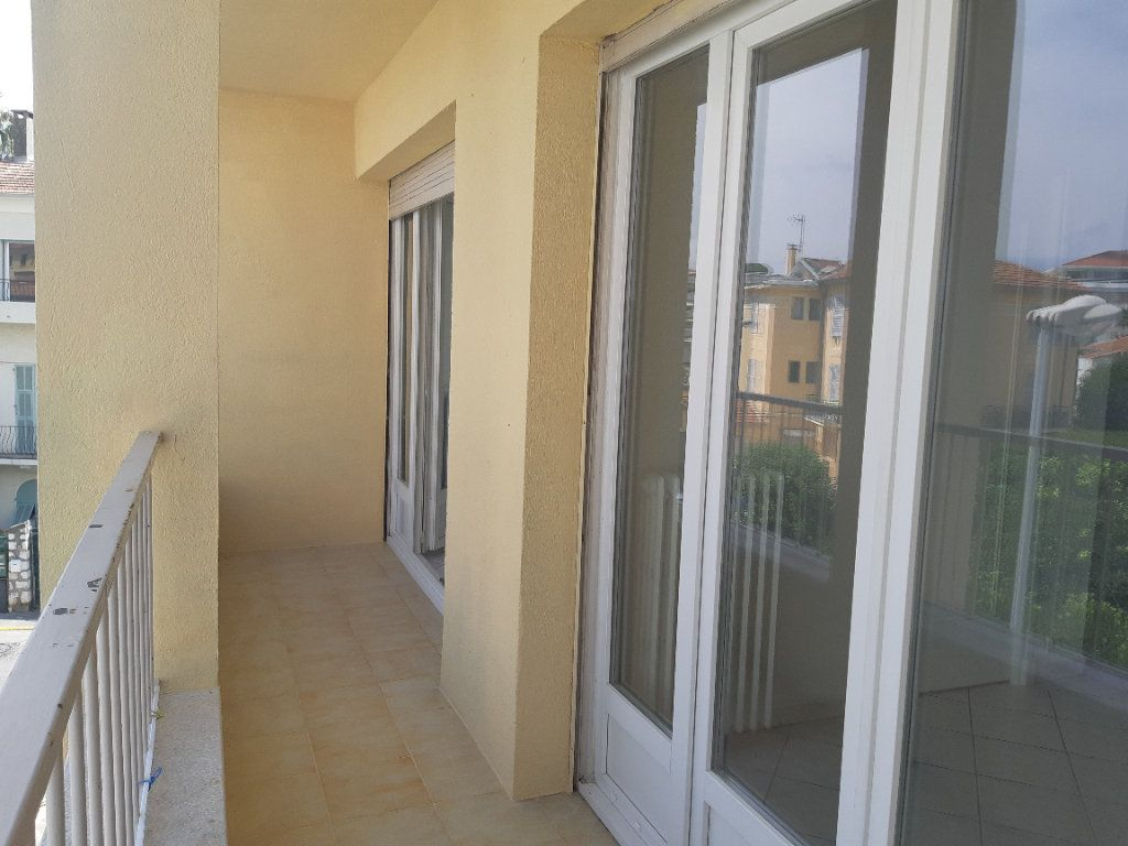 Appartement à louer 3 69.02m2 à Cagnes-sur-Mer vignette-4