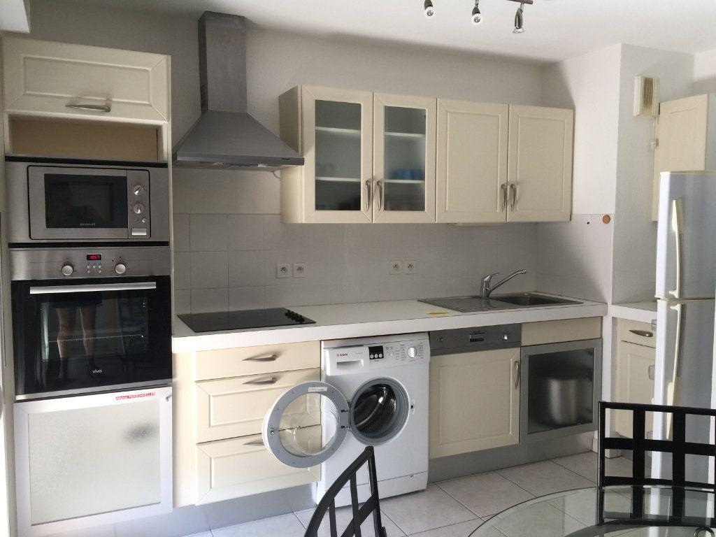 Appartement à louer 2 45.92m2 à Cagnes-sur-Mer vignette-6